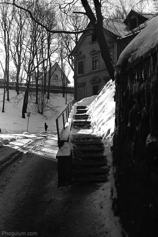 stairs-house-tree-winter-tartu